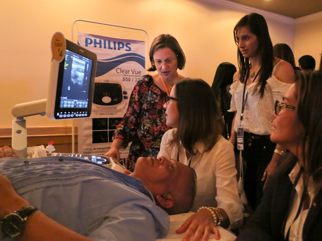 Dra. Onelia Greatty durante la capacitación de los asistentes